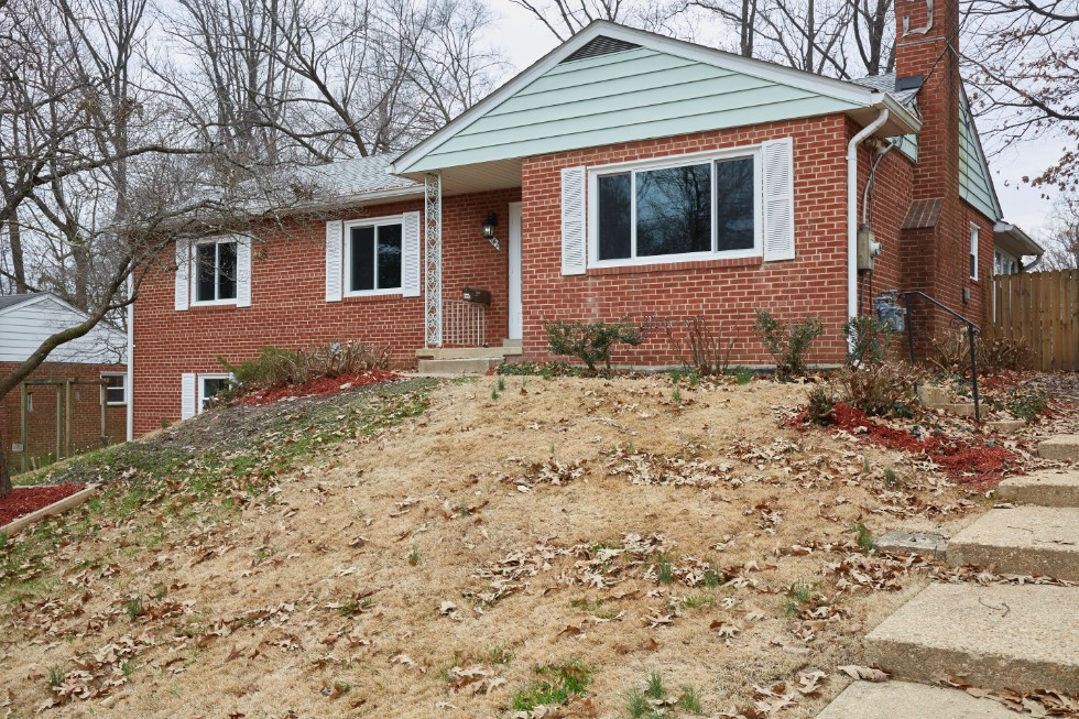 3142 Patrick Henry Dr Falls Church VA 22044